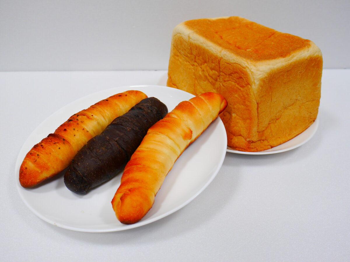 「ブレッドプラス」さんのパン